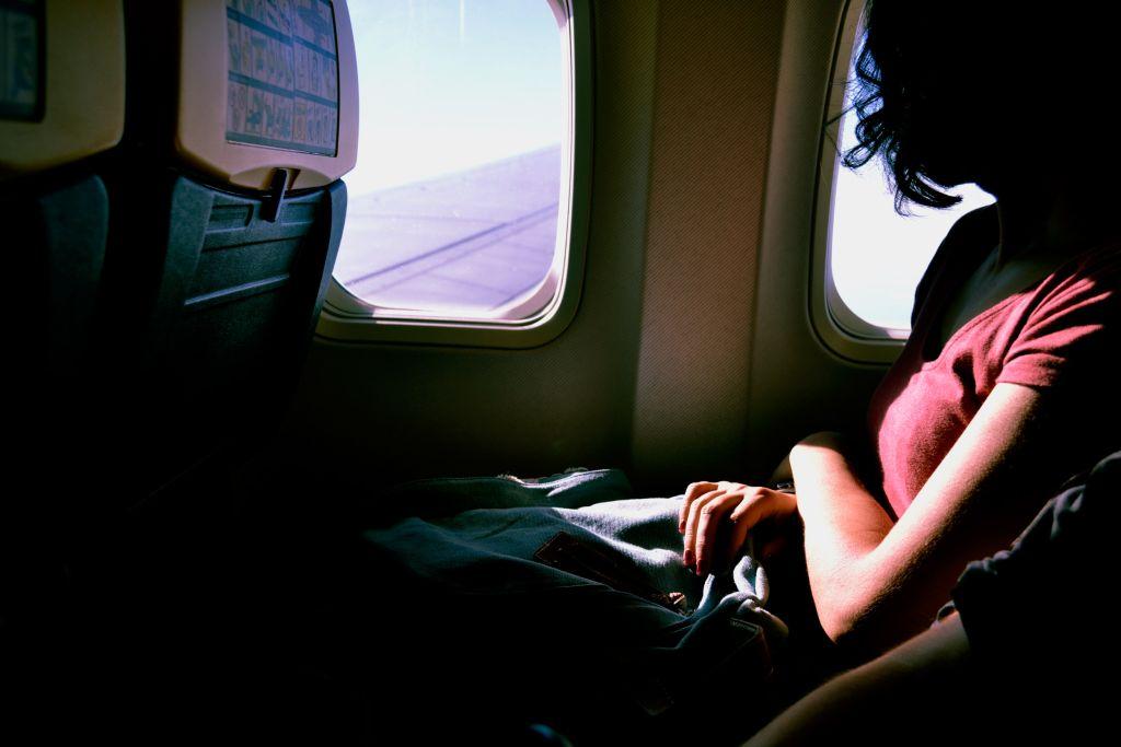 S'occuper dans un avion