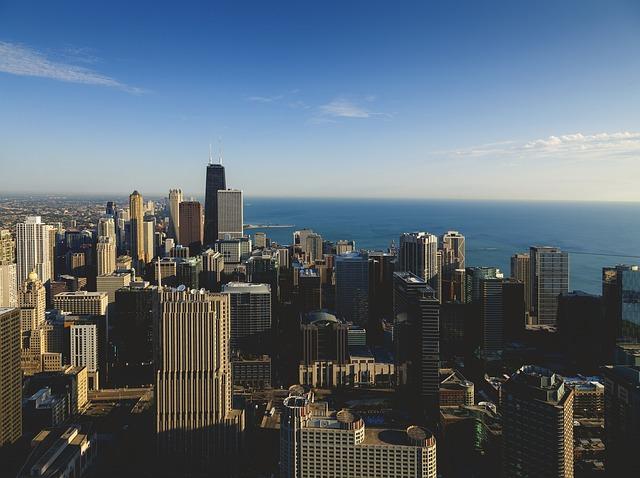La skyline de Chicago, des buildings vertigineux qui offrent une vue à 80 km !