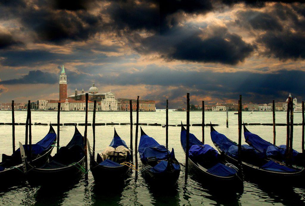 Cliché mais romantiques, les gondoles de Venise, pour une balade en amoureux